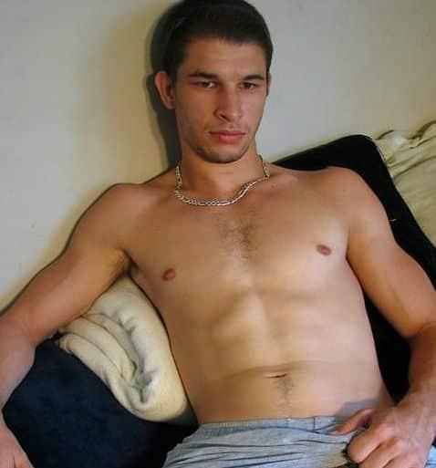 Thibaut gay actif de 33 ans